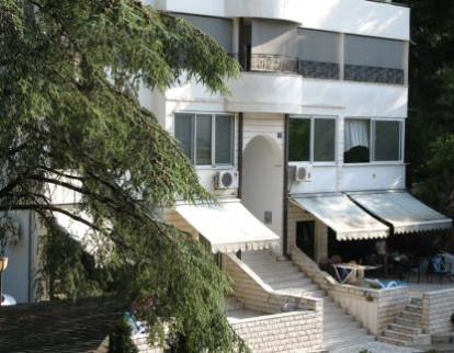 Smještaj Petrovac: Apartmani Katić